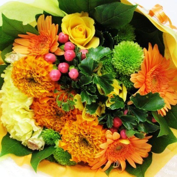 お誕生日の花束 ラウンドブーケ 黄色オレンジ系