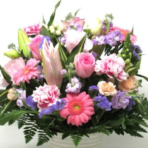 百合の生花フラワーアレンジメント-おまかせ