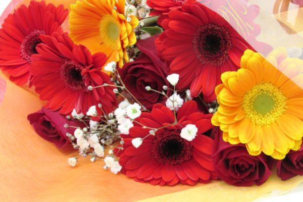 おまかせ薔薇とガーベラの花束